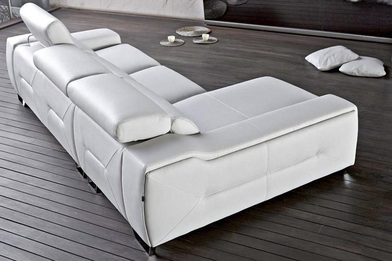 Sofa pedro ortiz cinthia en chaiselonge con rinconera for Sofas rinconeras piel ofertas