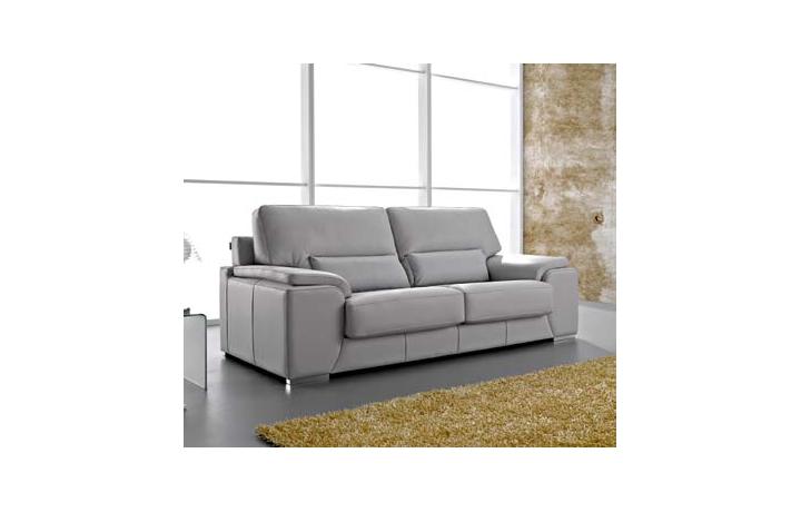Sofa modelo derek pedro ortiz puedes verlo en sofas goyal for Sofas de piel en barcelona